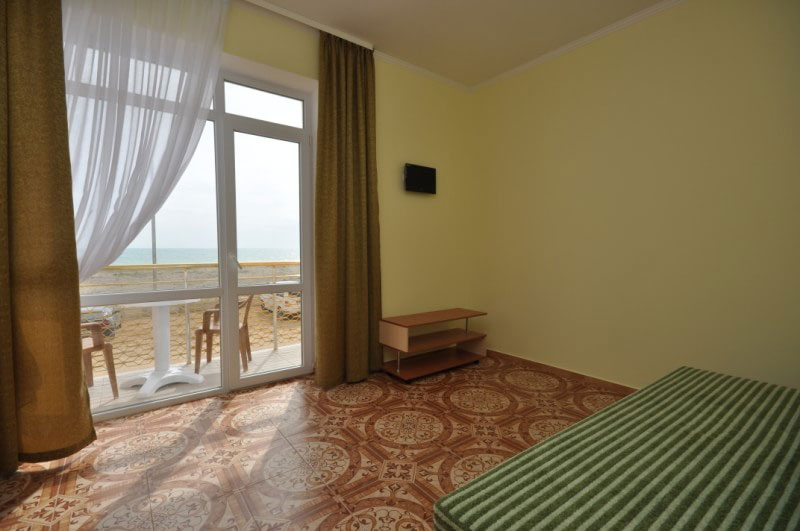 гостевые дома в Крыму возле моря цены